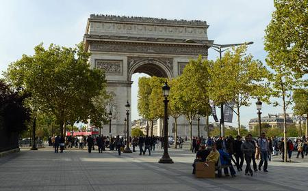 Paris Champs-Élysées 2-Hour Private Walking Tour
