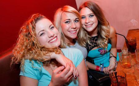 Paris Pub Crawl with Free Club Entry and Free Shots