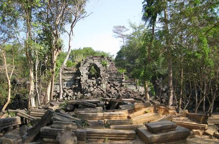 Full-Day Boat Trip to Kampong Khleang and Beng Mealea Temple from Siem Reap