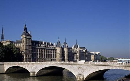 Sainte-Chapelle and Conciergerie Combined Ticket