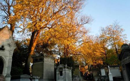 Paris: Pere Lachaise Cemetery 2-Hour Guided Tour