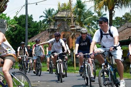 Cycling, Rafting & Volcanic Treatment Package