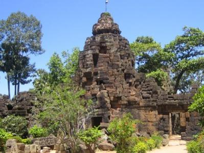 Half-Day Tour of Tonle Bati and Ta Prohm temples