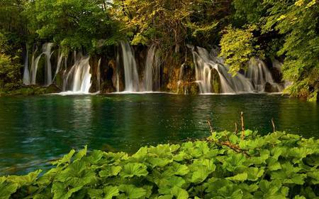 Plitvice Lakes: Upper and Lower Lakes Guided Tour