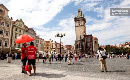 Prag: Hop-on/Hop-off-Bustour für 24/48 Stunden