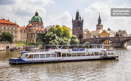 Prague Lunch Cruise: 2.5-Hour Trip