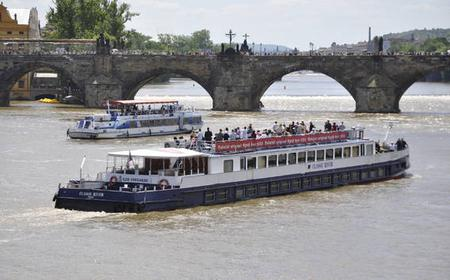 Prague Full-Day Tour with Boat Cruise