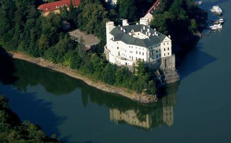 Orlík Castle, Holy Mountain & Monínec Skiing 2-Day Trip
