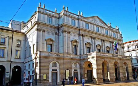 Milan Walking Tour at the Teatro alla Scala