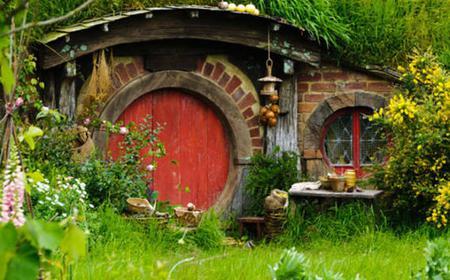Rotorua Sights and Hobbiton Movie Set Tour