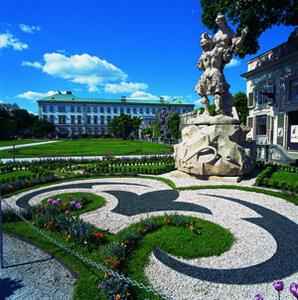 Salzburg City Tour with Tickets to Mozart's House
