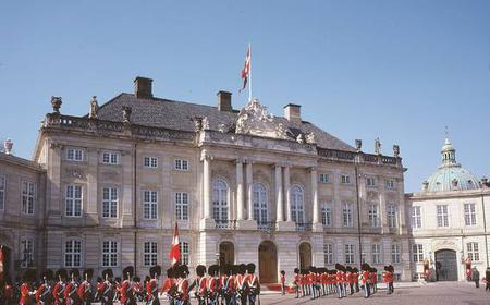 Copenhagen: 2-Hour Sightseeing Bus Tour & Tivoli Ticket