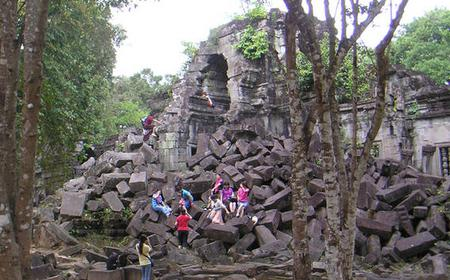 Siem Reap: Beng Mealea and Roluos Temples Day Tour