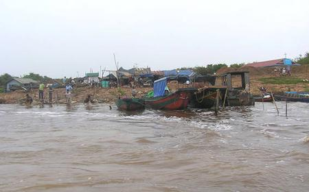 Siem Reap: Tonle Sap Lake and Roluos Temples Day Tour