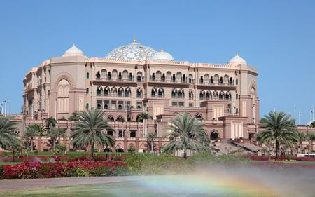 Abu Dhabi Tour with Lunch at Emirates Palace Hotel