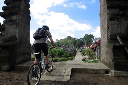 Village Cycling & Ayung River Rafting