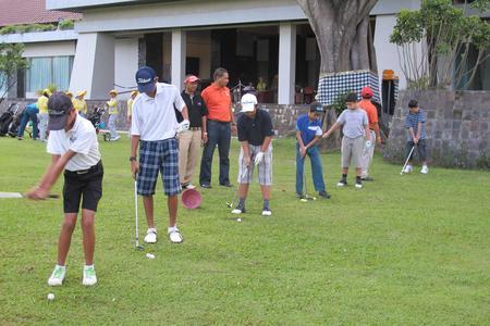 Kids Golf Lesson in Sanur