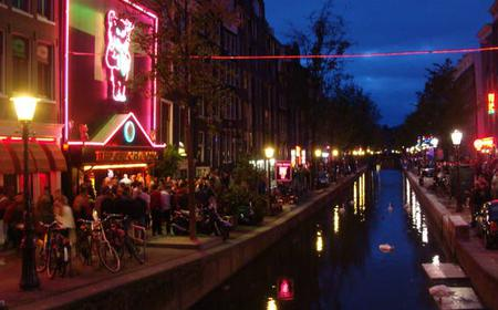 Amsterdam: Red Light District Crime Scenes Walking Tour