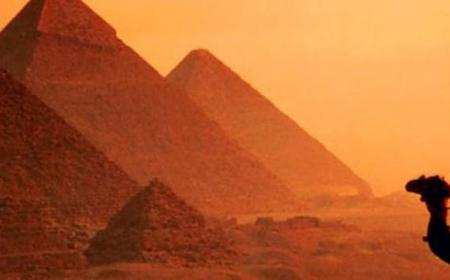 Giza Pyramids & Egyptian Museum Private Tour from Suez