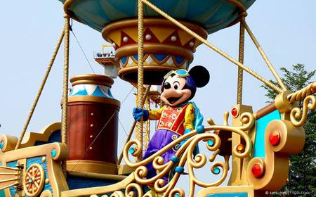 Hong Kong: Disneyland Tour with Roundtrip Hotel Transfer