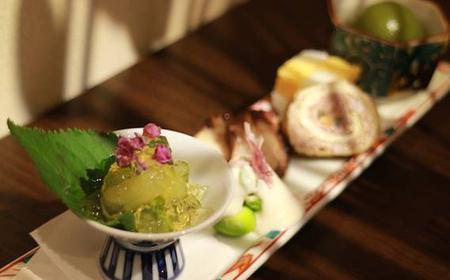 Oiran and Geisha Show including Luxury Kaiseki Dinner