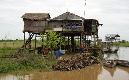 2 Days Tonle Sap, Banteay Srey, Beng Mealea Day Tour
