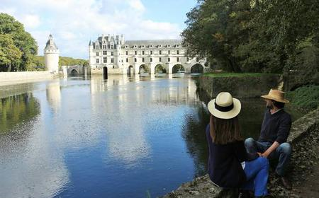 Chambord and Chenonceau Chateaux with Lunch