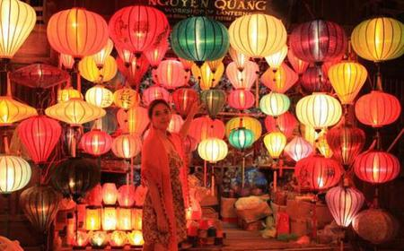 Charming Hoi An Tour with River Cruise from Hanoi