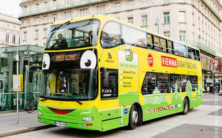 Vienna: Bus Ticket with Walking Tour and Carriage Ride