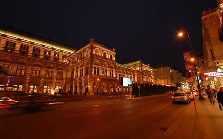 Vienna by Night Tour with Wine Tavern Visit