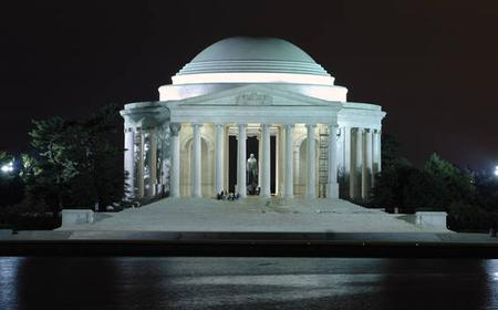 Monuments by Moonlight: Washington DC Nightime Trolley Tour