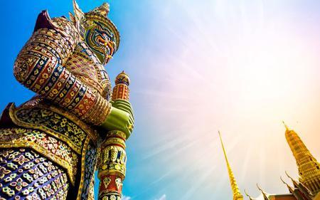 Bangkok Grand Palace and Emerald Buddha Tour