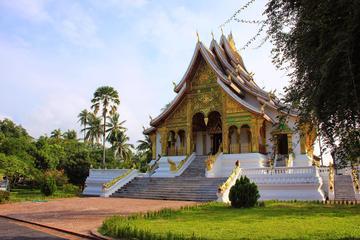 Full-Day Pak Ou Caves and Luang Prabang Bike Tour