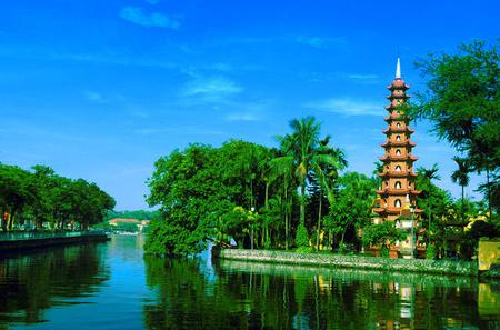 Hanoi Private City Tour Including Evening Food Tour