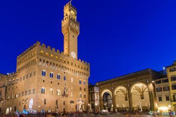 Uffizi Gallery: Tuesday Night Tour Including Aperitivo or Dinner in Piazza della Signoria