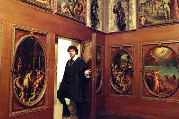 Small-Group Palazzo Vecchio Secret Passages Tour with Lunch