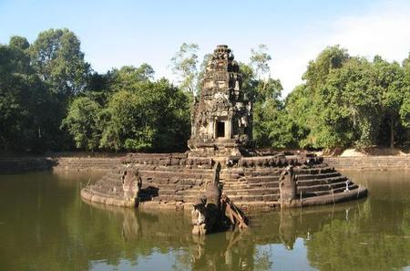 Full Day Preah Khan and Neak Pean Temples Tour