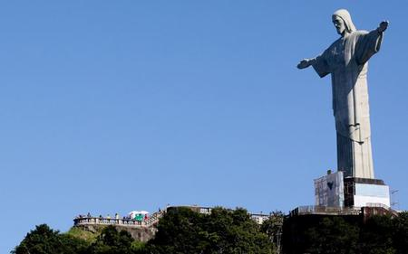 Rio de Janeiro Sightseeing: Corcovado, Christ Statue & Favela