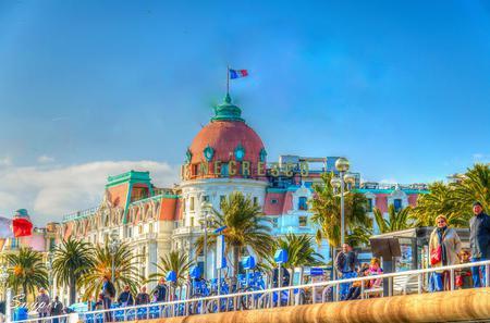 Guided Bike Tour of Aristocratic Neighborhoods in Nice
