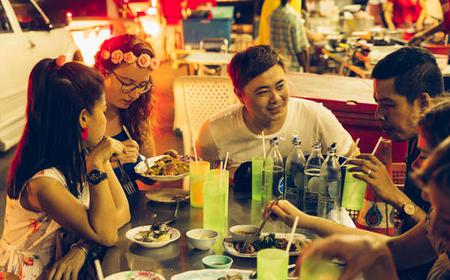 Private Nightlife & Night Market Tour
