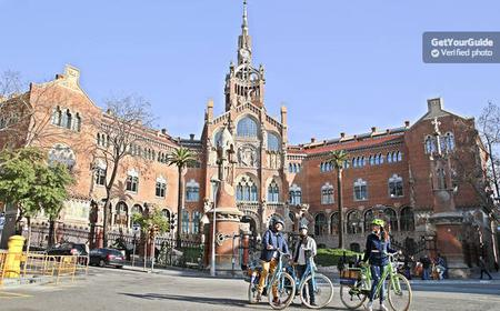 Barcelona: Trail of Gaudi E-Bike Tour