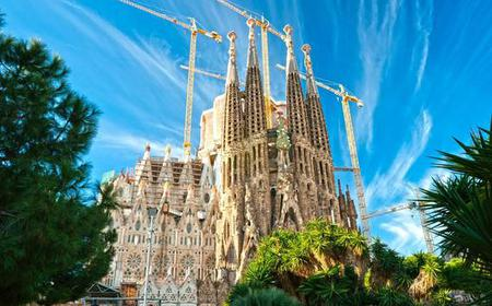 Sagrada Familia 2-Hour Guided Tour and VIP Tower Access