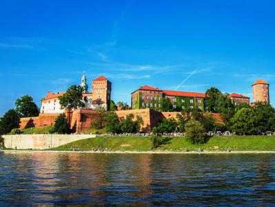 Wawel Royal Castle Guided Tour with Vistula River Cruise