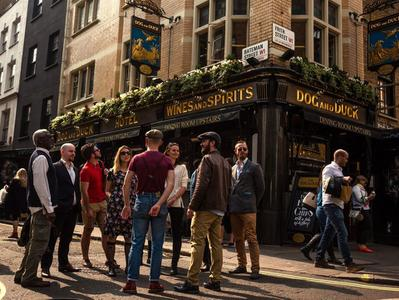 London Soho Legends and Pub Tour in Small Groups
