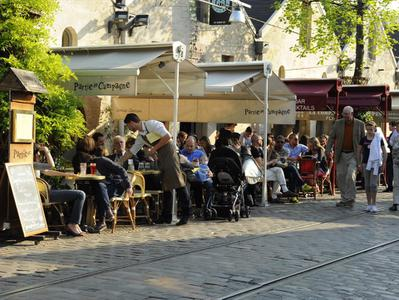 Bercy Village - Historical Walking Tour With Wine Tasting