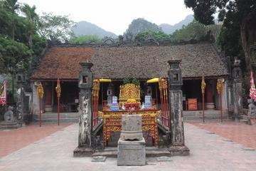 Hoa Lu Ancient Citadel and Thung Nang Sampan Day Trip from Hanoi