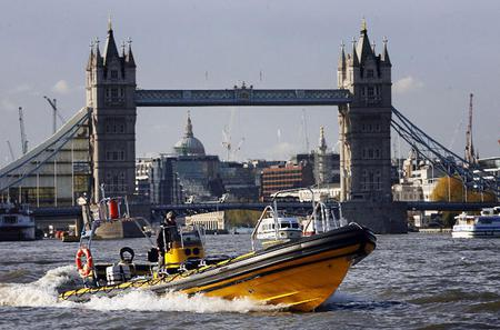 River Thames High-Speed Cruise