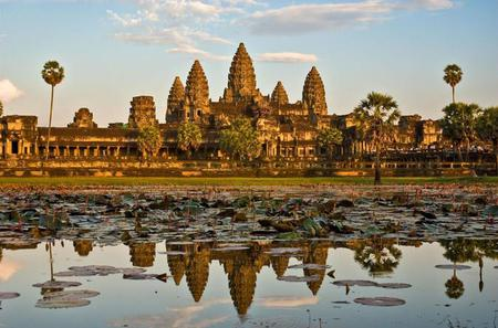 Explore the Majestic Angkor Wat and its Surrounding Wonders