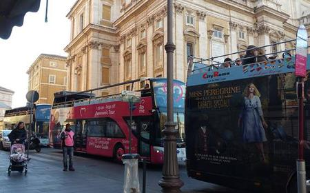 Rome: Hop-on Hop-off Bus and Gourmet Food Tour