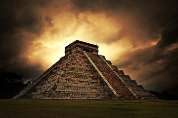 Chichen Itza Luxury Tour from Cancun Including Buffet Lunch and Valladolid